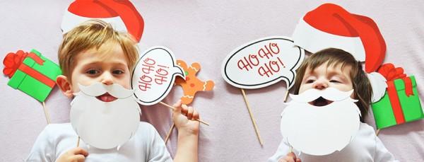 Weihnachtsfoto, das mit Hilfe von Papphaltern entstanden ist. (Copyright: kikimees.blogspot.de)
