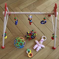 spielzeug sinnvolle geschenke f r babys. Black Bedroom Furniture Sets. Home Design Ideas
