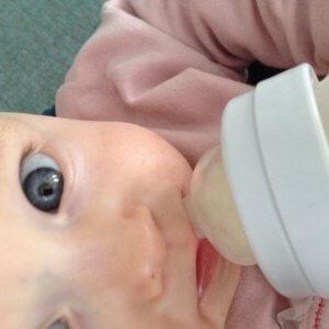 84f7188c3754f1 Flaschenfütterung des Babys  Tipps und Zubehör